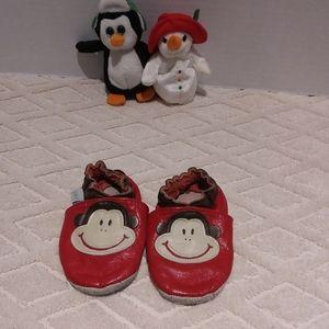 Robeez monkey soft sole shoes